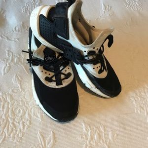 Nike air huarache size 8.5